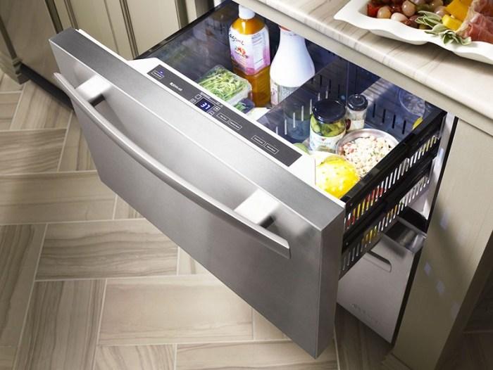 Выдвижной холодильный ящик под столешницей