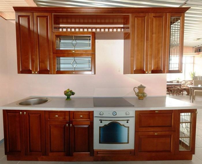 Кухня цвета темного ореха из мореной березы