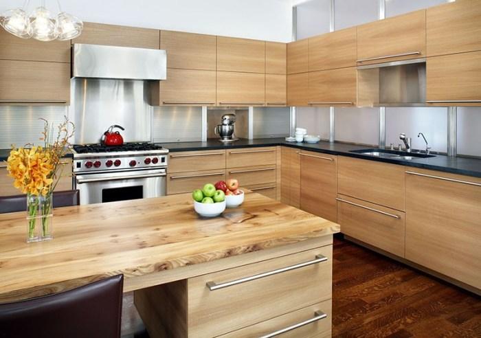 Лаконичная деревянная мебель на кухне