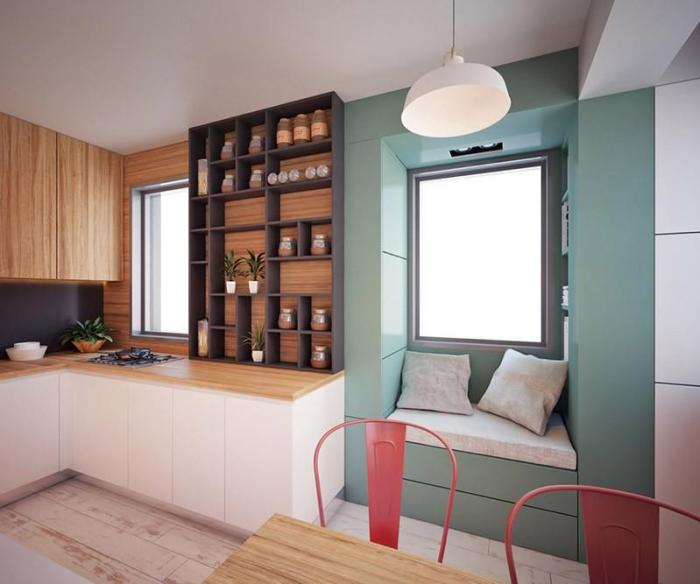 Кухня с нишей в стене там, где окно