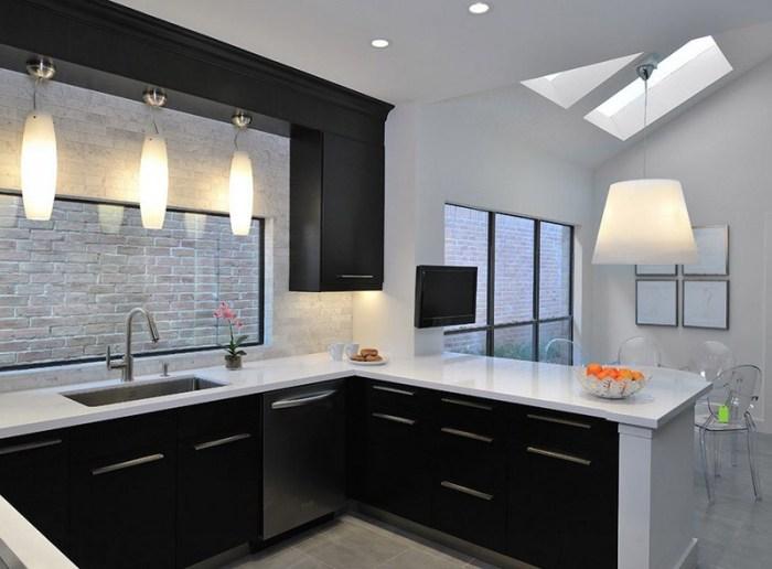 Освещение для кухни в черном цвете - много света