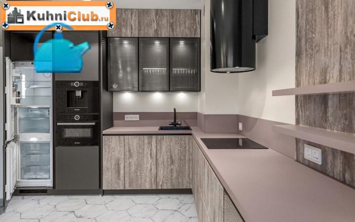 Модная-кухня-с-керамической-шестиугольной-плиткой