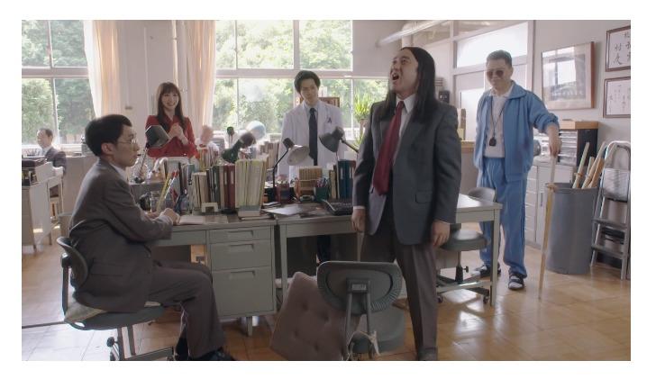 椋木先生(ムロツヨシ)の職員室のシーン