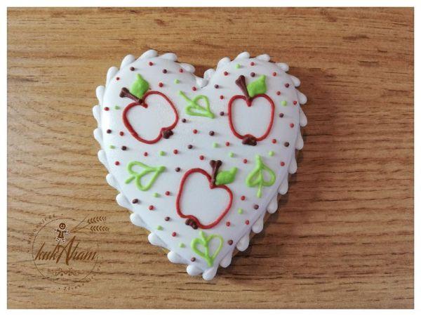 medovník srdce s jabĺčkami