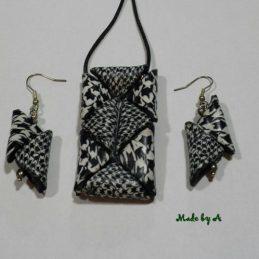 Crno bijeli trokutovi ogrlica i nausnice