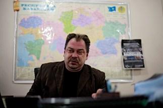 20-Almaty-Party-Alga-leader