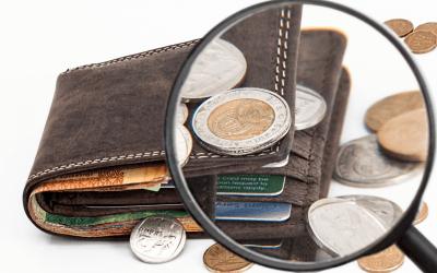 Ei ne suuret tulot, vaan pienet menot – 10 vinkkiä rahan säästämiseen