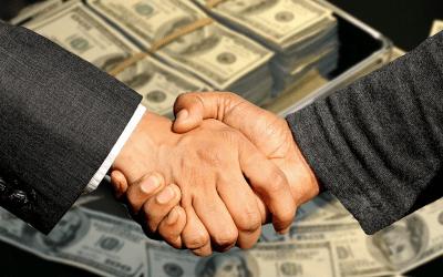 Miten pyytää ja saada palkankorotus – katso tästä tehokkaat perustelut