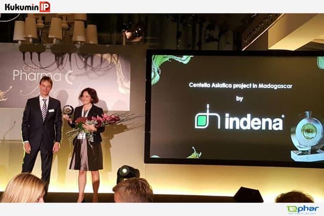 Indena nhận giải thưởng