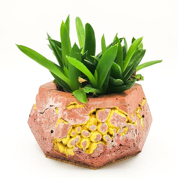 Pot de fleurs Béton kintsugi