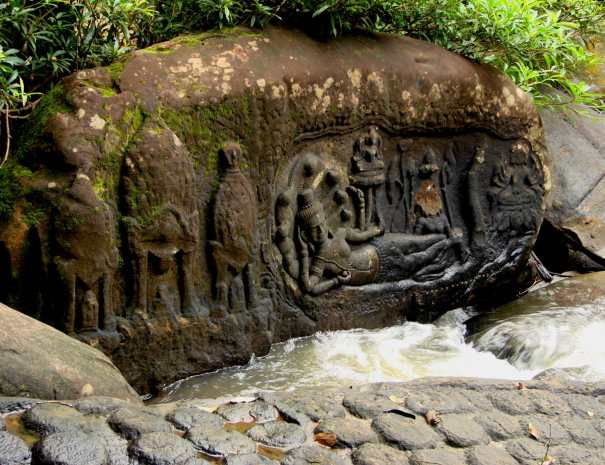 Shiva Carvings - Kbal Spean 1000 Lingas - Kulen National Park