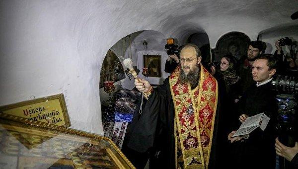 Освящение иконы новомучеников украинской земли