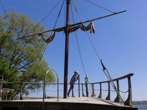 Piratenspielschiff in Schondorf am Ammersee