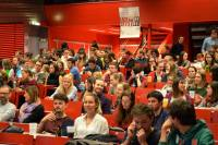 Ein gut gefüllter Willi-Gaisch-Hörsaal (c) Anja Rainer
