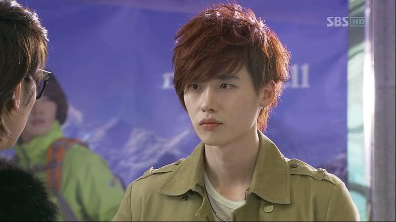 """Lee Jong Suk confronts Yoon Sang Hyun in """"Secret Garden."""""""