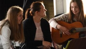 Sång i skymningen på Laisaliden