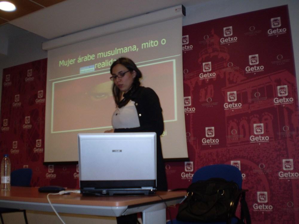 LA MUJER ÁRABE MUSULMANA: MITO Y REALIDAD (1/2)