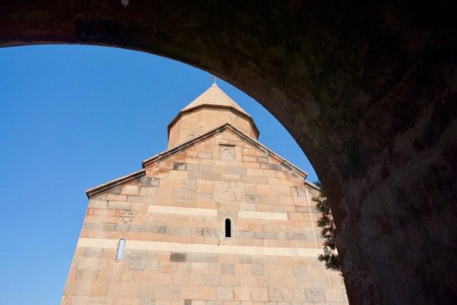 Etwa 40 km von Yerevan entfernt liegt das Kloster Chor Virap an der Grenze zur Türkei