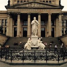 Schillerdenkmal am Gendarmenmarkt
