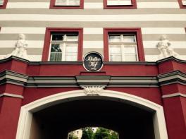 Toreinfahrt Schillerhof