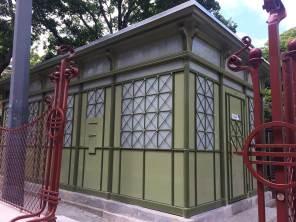 Denkmalgeschützte Toilettenanlage von Wilhelm Beetz im Schönbornpark