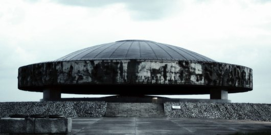 Marcel Odenbach, Im Kreise drehen (Video Still), 2009, © Marcel Odenbach & BILDRECHT GmbH, 2017, Courtesy Galerie Gisela Capitain, Köln