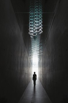 """Brigitte Kowanz """"N46°38´47´´ E 14°53´31´´"""" 2007/2008 Installation (permanent), Museum Liaunig, Neuhaus Architektur / Architecture: querkraft architekten Photo: Lisa Rastl, Copyright: Bildrecht, Vienna 2017"""