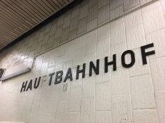 """Im """"Unterirdischen Bahnhof"""""""