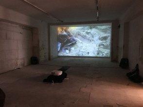 """Ausstellungsansicht Installation """"Fluxus Fire"""" von FXXXism Toshain/Ceeh"""