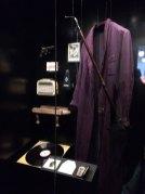 Auf der Spur der heimischen Literatur begegnet BesucherInnen auch so manches ungewöhnliches Sammelstück: von Heimito von Doderers Morgenmantel bis hin zu Grillparzers Regenschirm