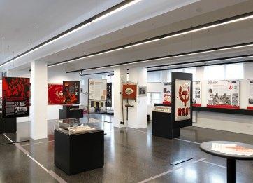 """Ausstellungsansicht """"Das rote Wien"""" im Waschsalon des Karl Marx Hof © Ingo Pertramer"""