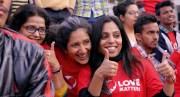 """Die indische Aktivistin und Betreiberin der Internetseite """"Love Matters"""" Vithika Yadav (Mitte) © Filmladen Filmverleih"""