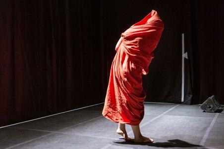 Schauspielerin Katharina Knap auf der Bühne des Hamakom © Marcel Köhler