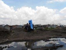 EOOS/Eawag, Blue Diversion Toilet, Feldtest, Nairobi, 2014 EOOS/Eawag, Blue Diversion Toilet, Test sul campo, Nairobi, 2014 © EOOS/Eawag