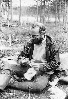 Under 1980-talet ägnade Thomas en stor del av somrarna åt fältarbete runtom i Norrbotten. Foto: Kjell Lundholm © Norrbottens museum