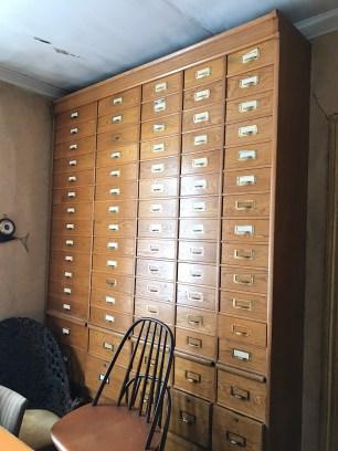 Arkivskåp i ett kontor i bostadsdelen av skeppshandeln. Foto: Jennie Björklund ©Norrbottens museum