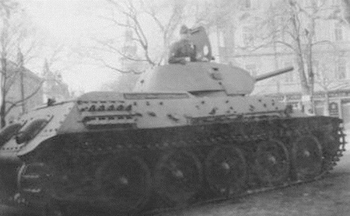 Танк Т-34 советской армии.