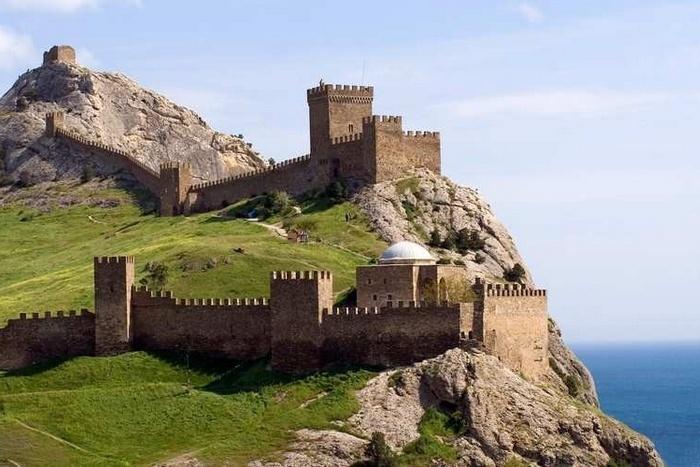 Судакская (Генуэзская) крепость./ Фото: news.sevas.com