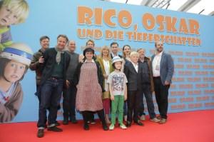 Die Darsteller und Filmcrew bei der Premiere in der Kulturbrauerei.