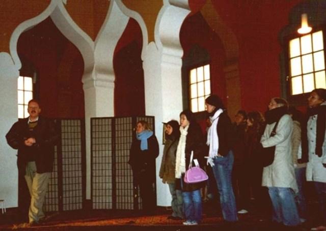 Begegnung in einer Moschee