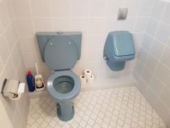 Die blaue Hölle - natürlich für Jungs. (Ja, das sind die WCs im Museum!)
