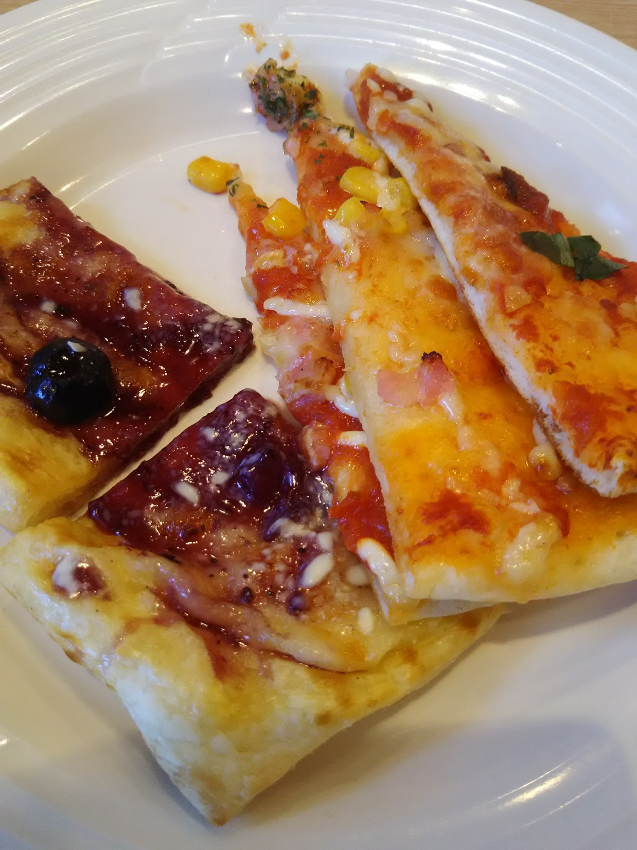 ベリーカスタードのピザ(フェスタガーデン)
