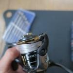 【写真あり】ラインローラーのベアリングを清掃して快適にリールを使おう!ラインローラーの分解・清掃について