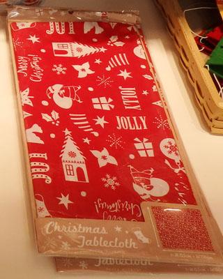 セリア テーブルクロス クリスマス