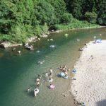 【関西】川遊びの穴場おすすめ!清流の天然プールがすごい!無料で遊べ!大人に子供に人気!