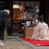引き続き、長寶寺でも神事を奉仕する