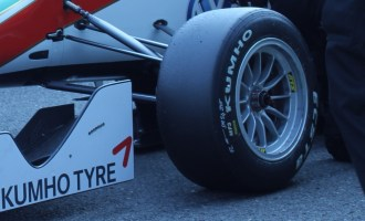Formula 3 teams drive on Kumho race tyres at Zandvoort Masters