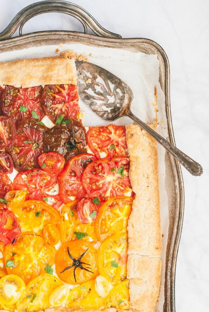 Grain-Free Heirloom Tomato Tart with Basil-Lemon Crust | kumquatblog.com @kumquatblog recipe