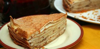 Блинный пирог с творожной начинкой