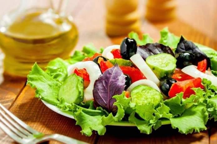 Что не добавлять в салат, если вы хотите похудеть